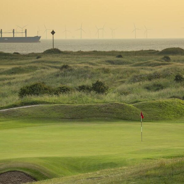 four links Southport